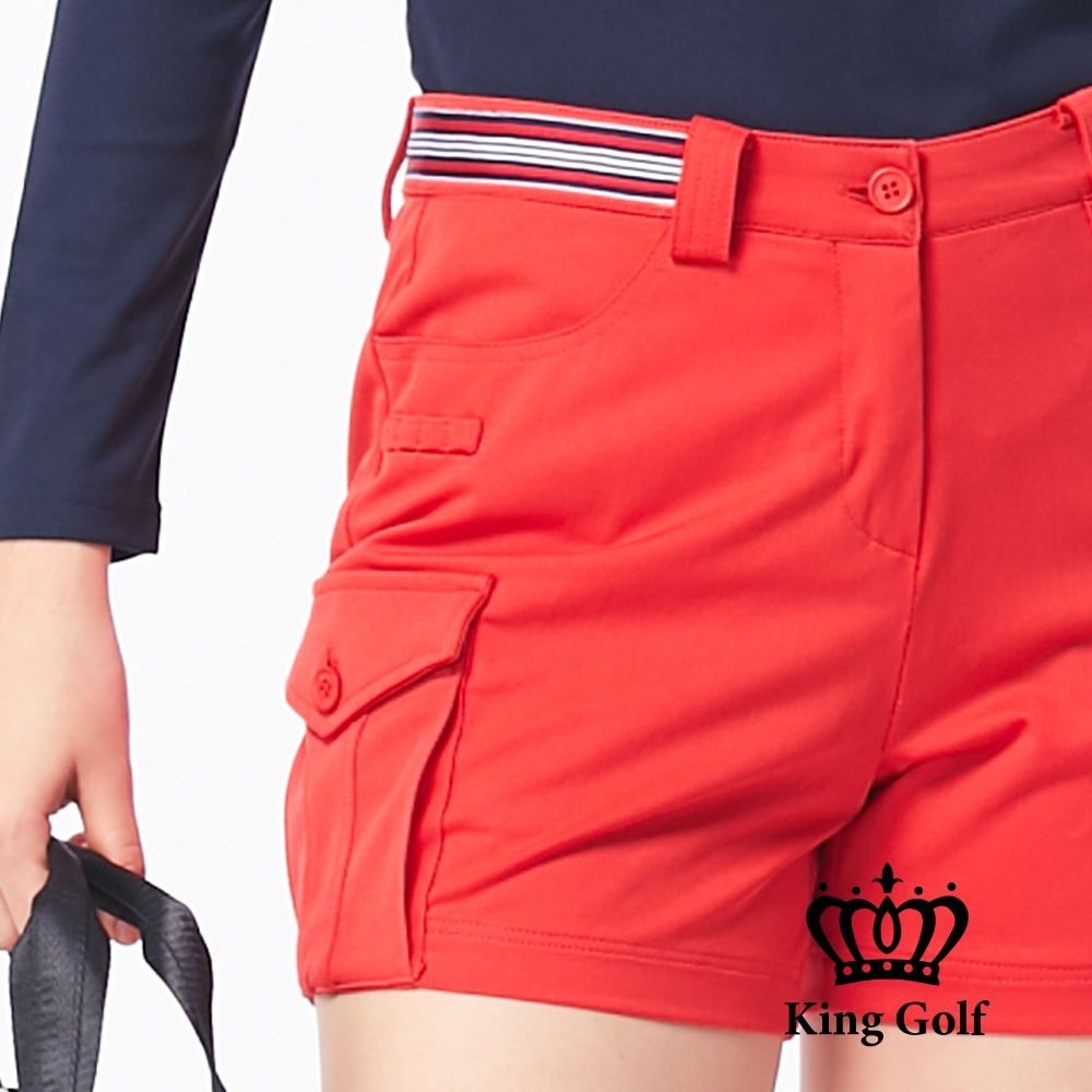 【KING GOLF】素色織帶休閒口袋短褲-紅色