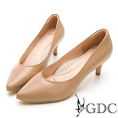 GDC-真皮質感裸色系素面上班必備心機尖頭中跟鞋-可可色