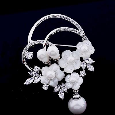 梨花HaNA 韓國手工鑲嵌天然貝殼花卉珍珠華麗胸針