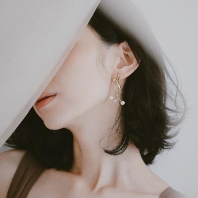 COR-DATE-珍珠樹枝-水鑽搖曳耳環