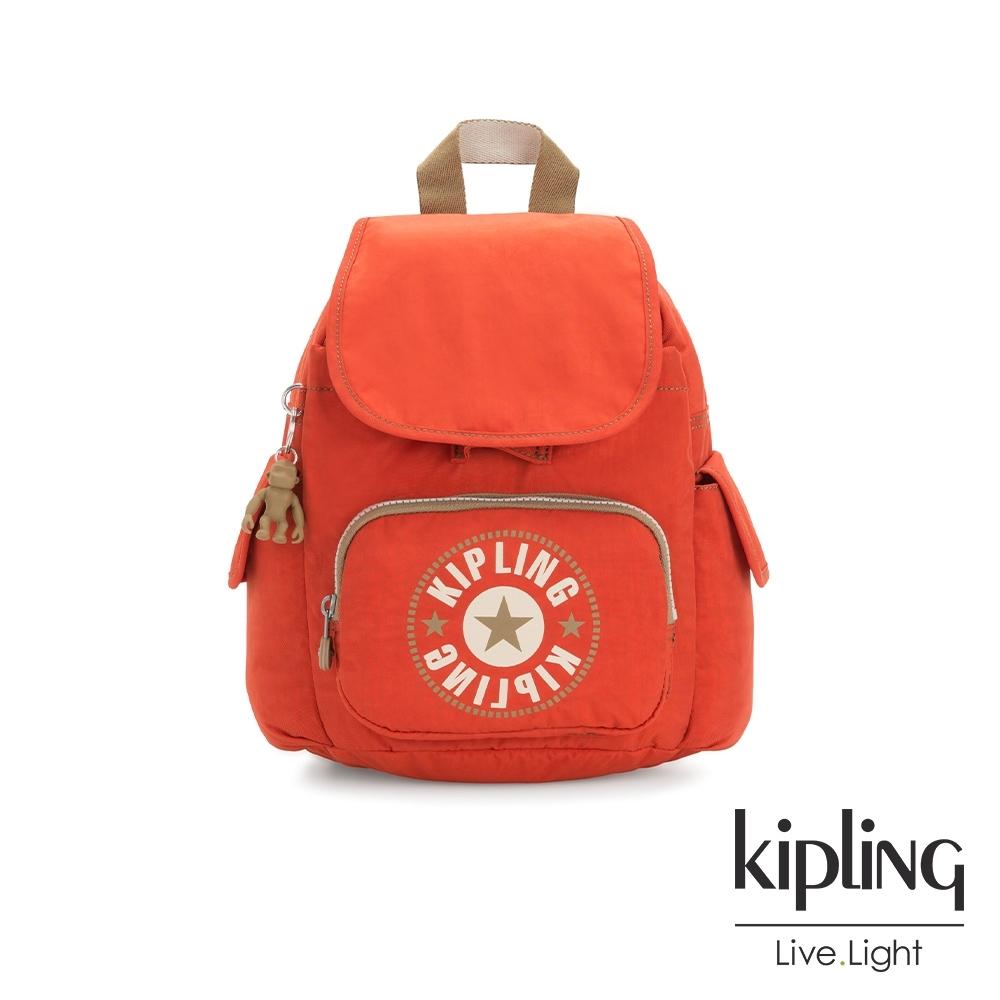 Kipling 時髦亮橘色復古LOGO拉鍊掀蓋後背包-CITY PACK MINI