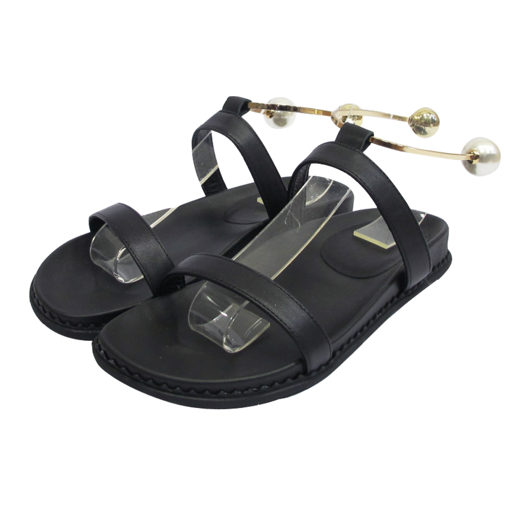 BESO  珍珠魔力 金屬珍珠繞踝平底涼鞋~黑