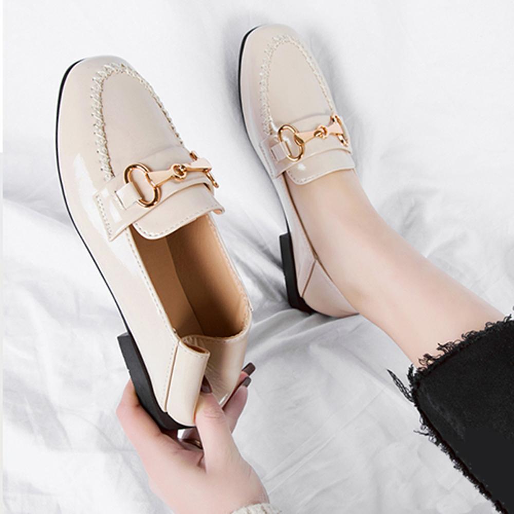 韓國KW美鞋館 激推經典時尚英倫懶人鞋-米色
