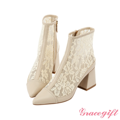 Grace gift X Rui-聯名雕花蕾絲粗跟短靴 米白