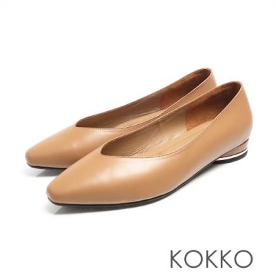KOKKO -素面小方頭羊皮V口圓跟鞋 - 奶茶色