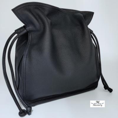 【Misstery】側背包/肩背包進口牛皮搭配超纖女用側背包-黑
