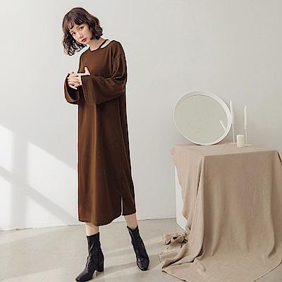 純色仿針織露單肩寬鬆洋裝-OB大尺碼