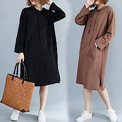 La Belleza素面抽繩連帽梯形袋大口袋下擺側開叉棉質洋裝