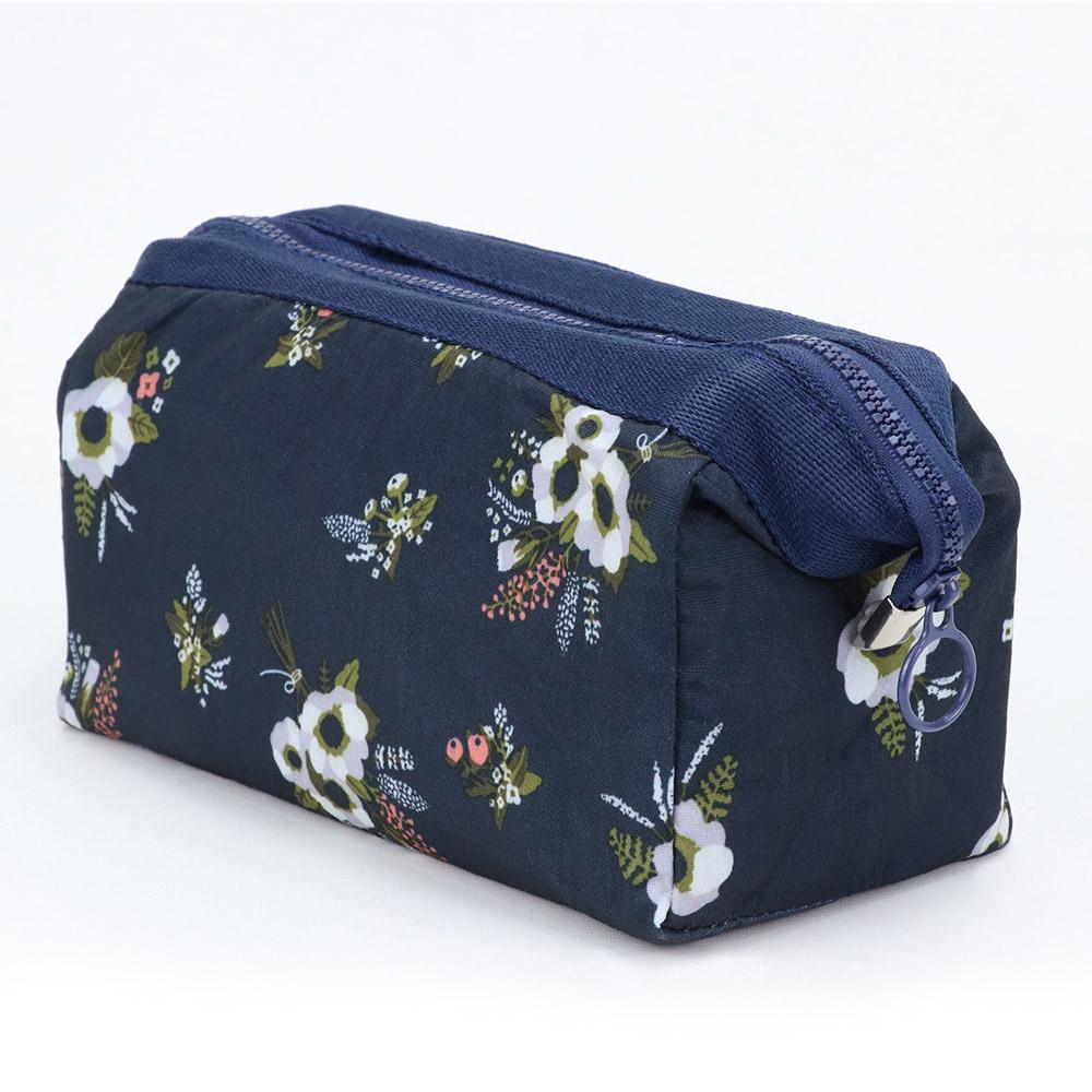 旅遊首選 印花鐵架大容量化妝包 收納袋 旅行包 隨身包 洗漱包(黑色花束)