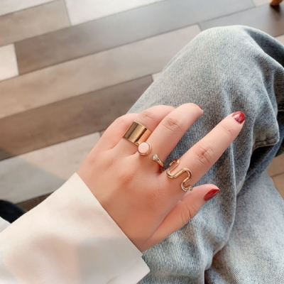 梨花HaNA 歐美小店長自留寶石曲線設計戒指三件套