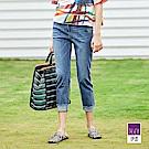 ILEY伊蕾 抽鬚造型九分牛仔褲(藍)