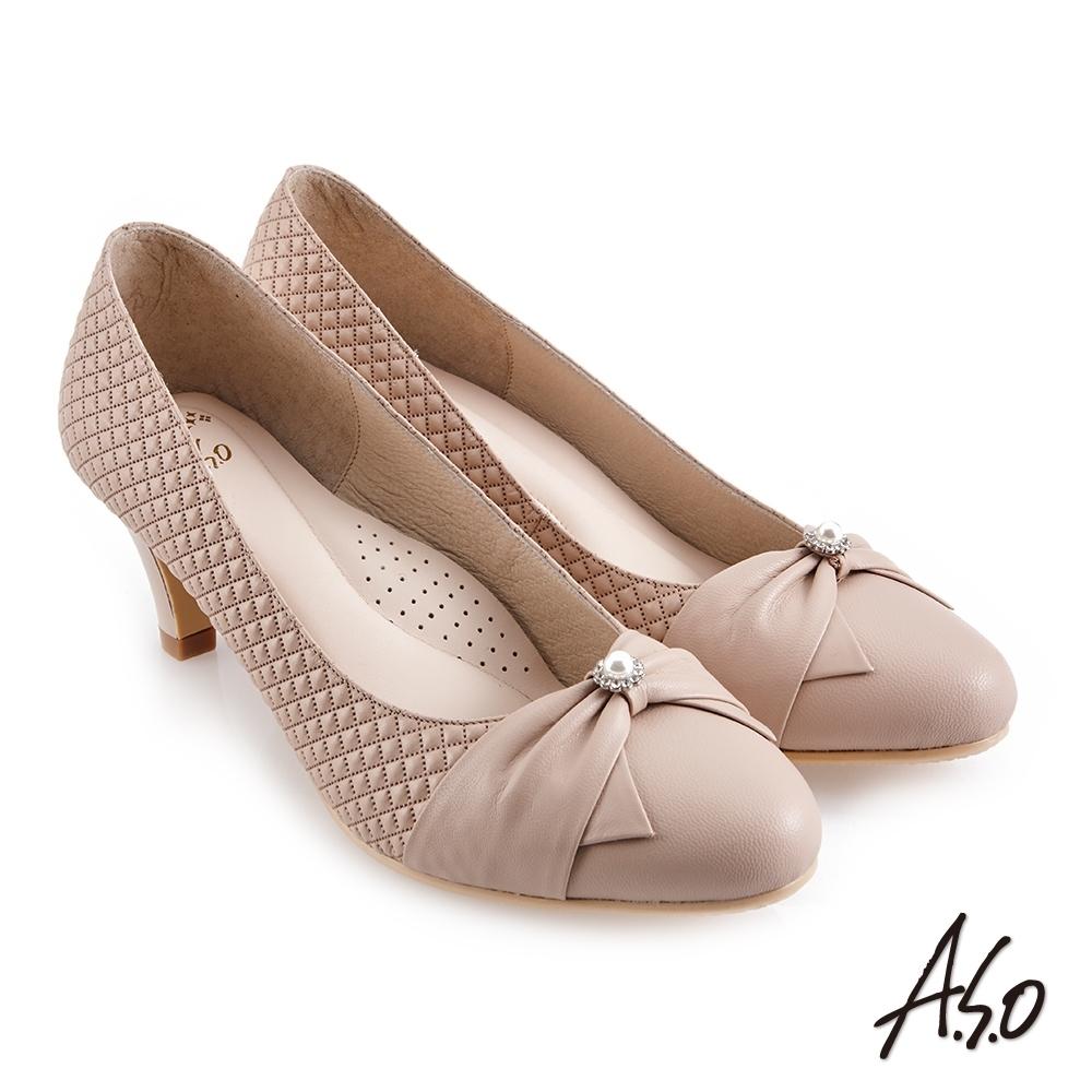 A.S.O 職場通勤 健步通勤經典菱格紋蝴蝶結中跟鞋-卡其