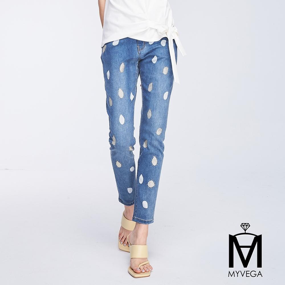麥雪爾 MA印花滿版波點白金配色九分直筒牛仔褲-藍