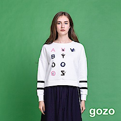 gozo 隱藏動物絨布字母立體面料上衣(二色)