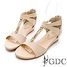 GDC-真皮女神款溫柔交叉金屬扣飾後包涼鞋-卡其色