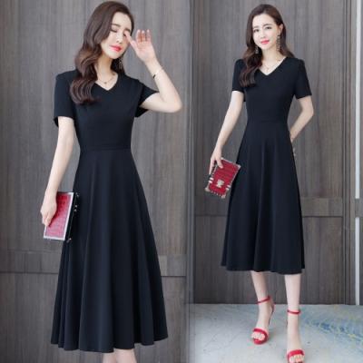 簡約復古V領純色大裙襬洋裝M-3XL(共二色)-REKO