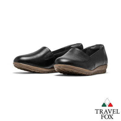 TRAVEL FOX(女) 喜悅的三角鞋楦牛皮舒適休閒樂福鞋 -黑
