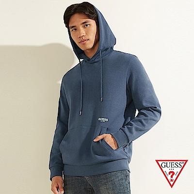 GUESS-男裝-純色後背文字印圖長袖帽T-藍 原價3990
