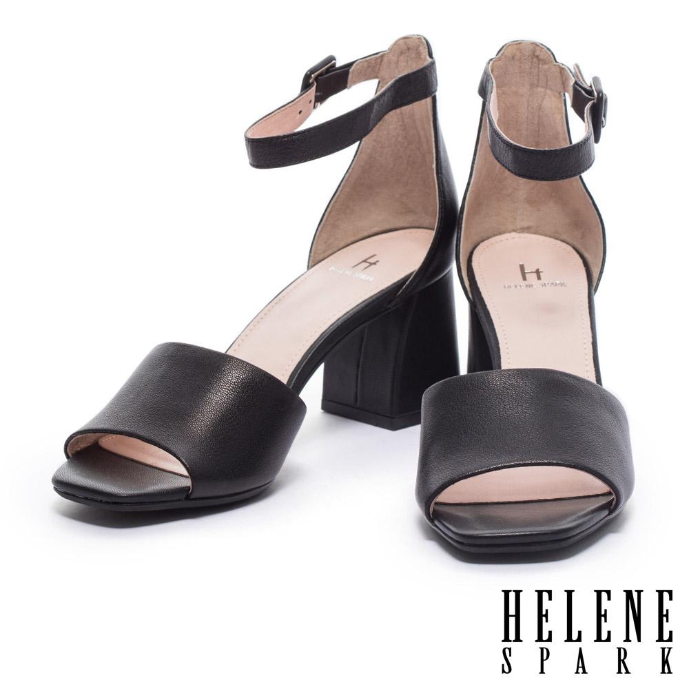 涼鞋 HELENE SPARK 簡約淡雅氣質縮花羊皮繫踝粗高跟涼鞋-黑