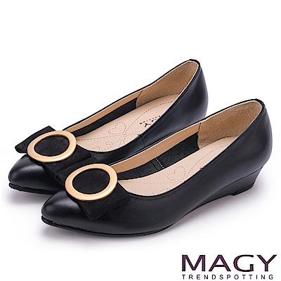 MAGY 氣質首選 造型圓釦牛皮楔型跟鞋-黑色