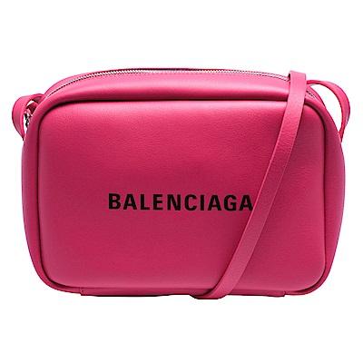 BALENCIAGA 經典EVERYDAY系列品牌黑色字母LOGO小牛皮斜背相機包(紫紅)