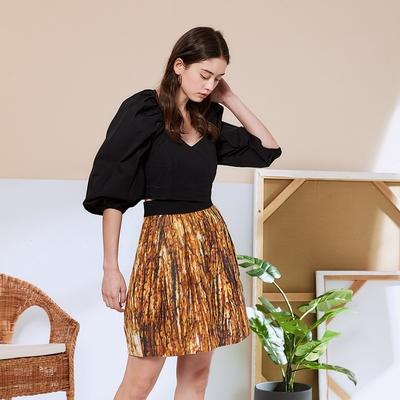 ICHE 衣哲 時尚數位印花造型及膝圓裙-流沙咖啡