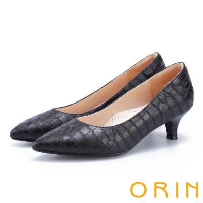 ORIN 典雅輕熟 壓紋牛皮素面尖頭中跟鞋-黑色