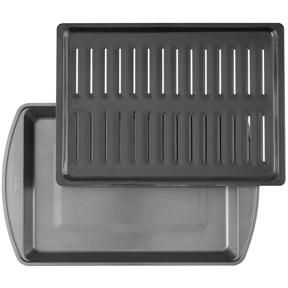 《Wilton》2in1不沾濾油烤盤(直條40.6cm)