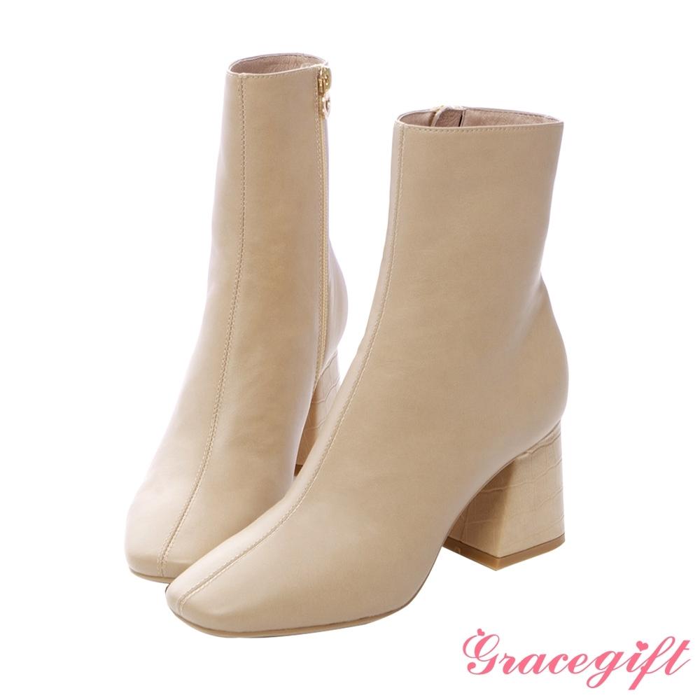 Grace gift X紀卜心-聯名素面壓紋高跟短靴 深杏