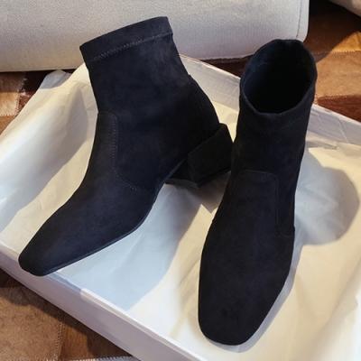 KEITH-WILL時尚鞋館絨面素色方頭粗跟小短靴-黑色