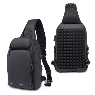 leaper USB充電休閒單肩包胸包 黑色