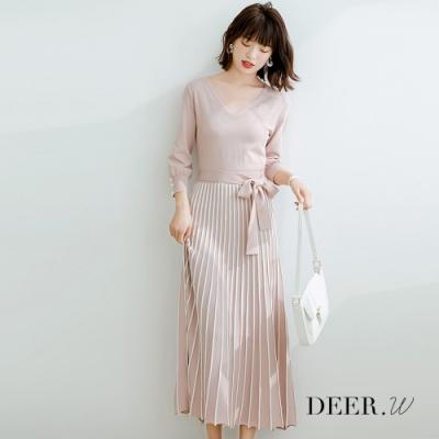 DEER.W V領配色直條百褶針織洋裝(霧粉)