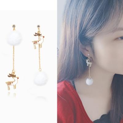 梨花HaNA 無耳洞/耳針款聖誕白色耶誕麋鹿毛球耳環