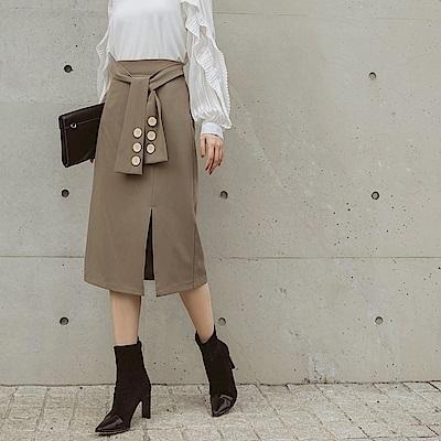 純色側開衩木紋排釦腰綁帶中長A字裙-OB大尺碼