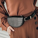 純色鱷魚皮紋金屬鍊側背包/小腰包-OB大尺碼