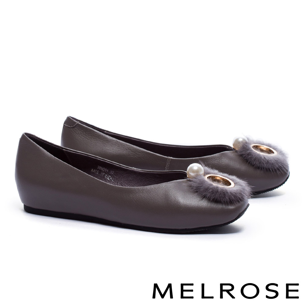 低跟鞋 MELROSE 奢華貂毛珍珠環飾牛皮楔型低跟鞋-灰
