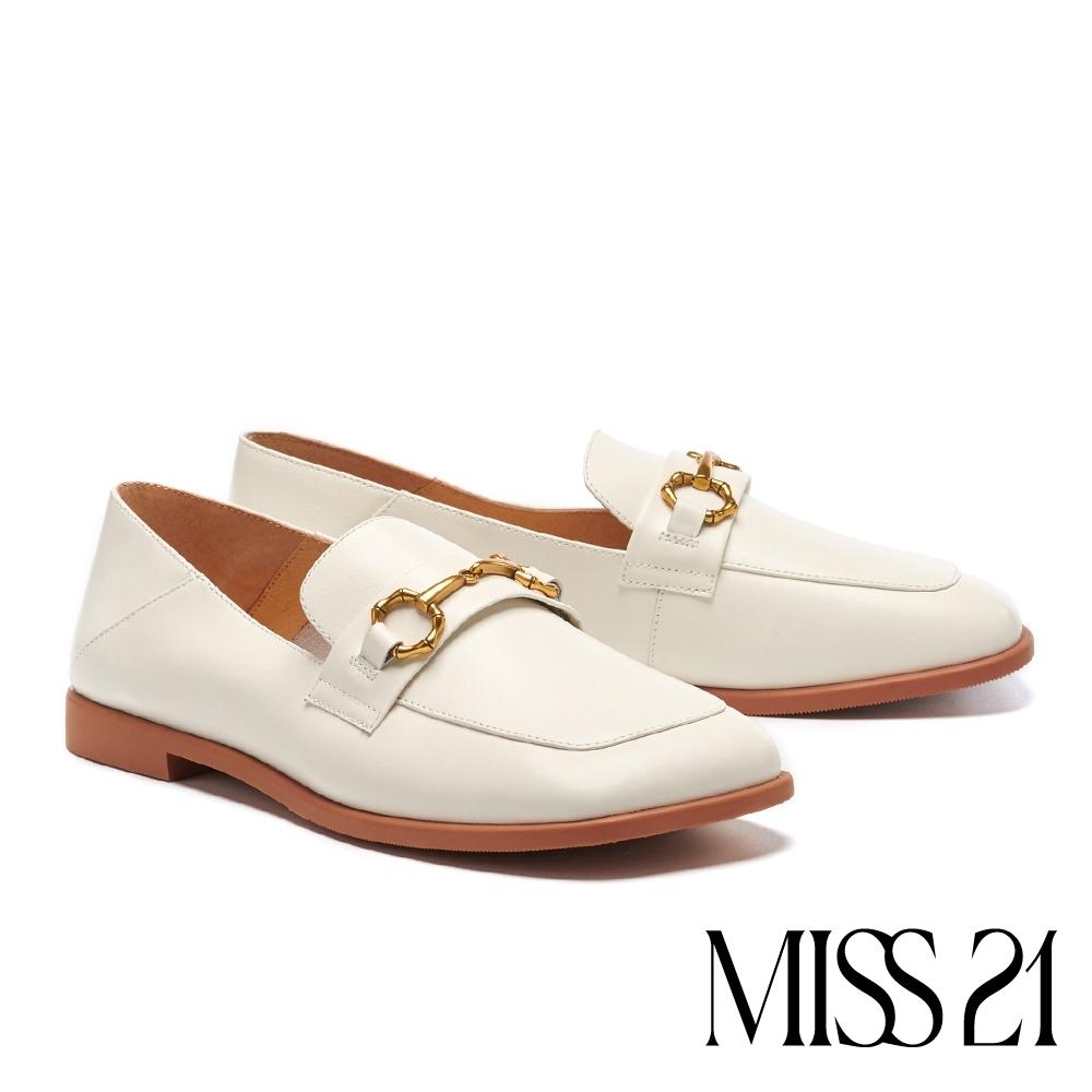 低跟鞋 MISS 21 復古質感馬銜釦歪頭大方楦樂福低跟鞋-白