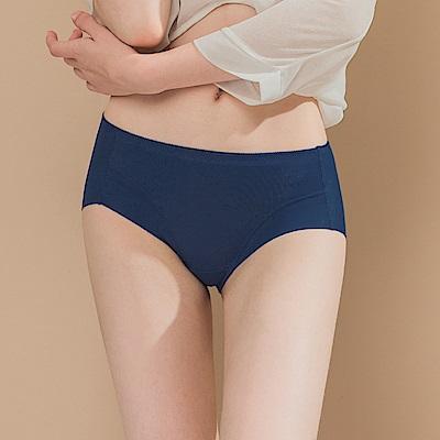 無痕透氣超健康竹炭包臀中腰M-XL內褲 奇幻冰島 可蘭霓Clany