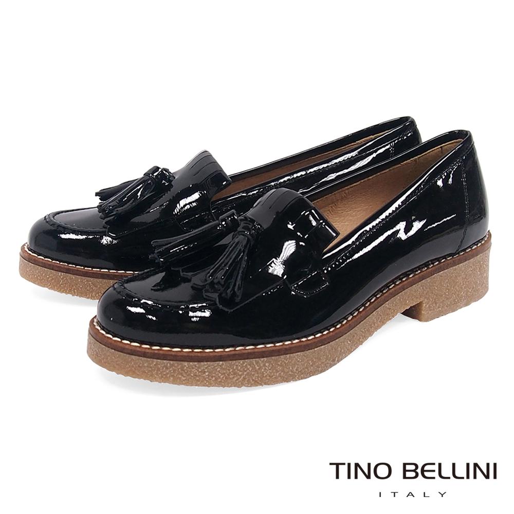Tino Bellini 西班牙進口雙層漆皮流蘇低跟樂福鞋 _ 黑