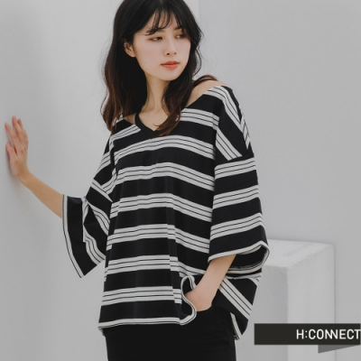 H:CONNECT 韓國品牌 女裝 -簡約條紋露肩寬鬆上衣-黑色