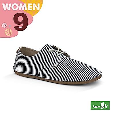 SANUK 女款US9 海軍風條紋窄版休閒鞋(藍白色)