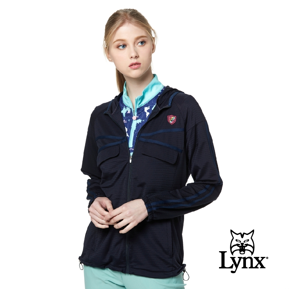 【Lynx Golf】女款彈性舒適涼爽透氣交叉壓條袋蓋連帽長袖外套-深藍色