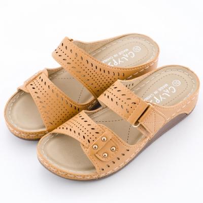 River&Moon拖鞋 經典鏤空逢線Q軟釋壓楔型跟拖鞋 棕