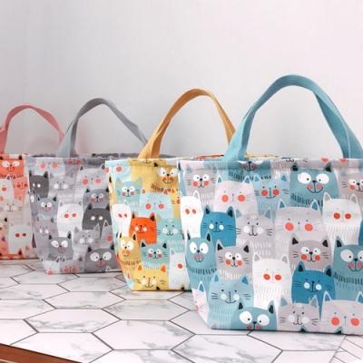 【優貝選】日系滿版貓咪多用途 保溫 防水小手提包/便當袋/午餐提包(4色)