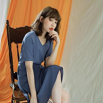 純色微光澤修身剪裁短袖洋裝-OB嚴選