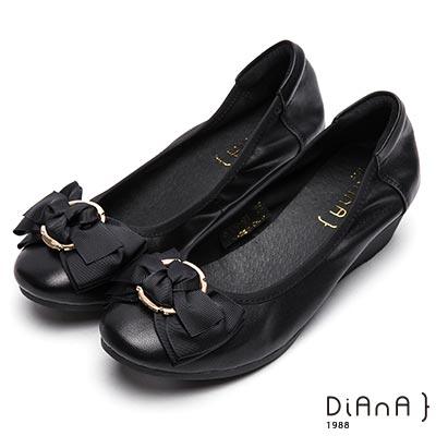 DIANA 甜漾迷人—圓形飾釦蝴蝶結娃娃鞋-黑