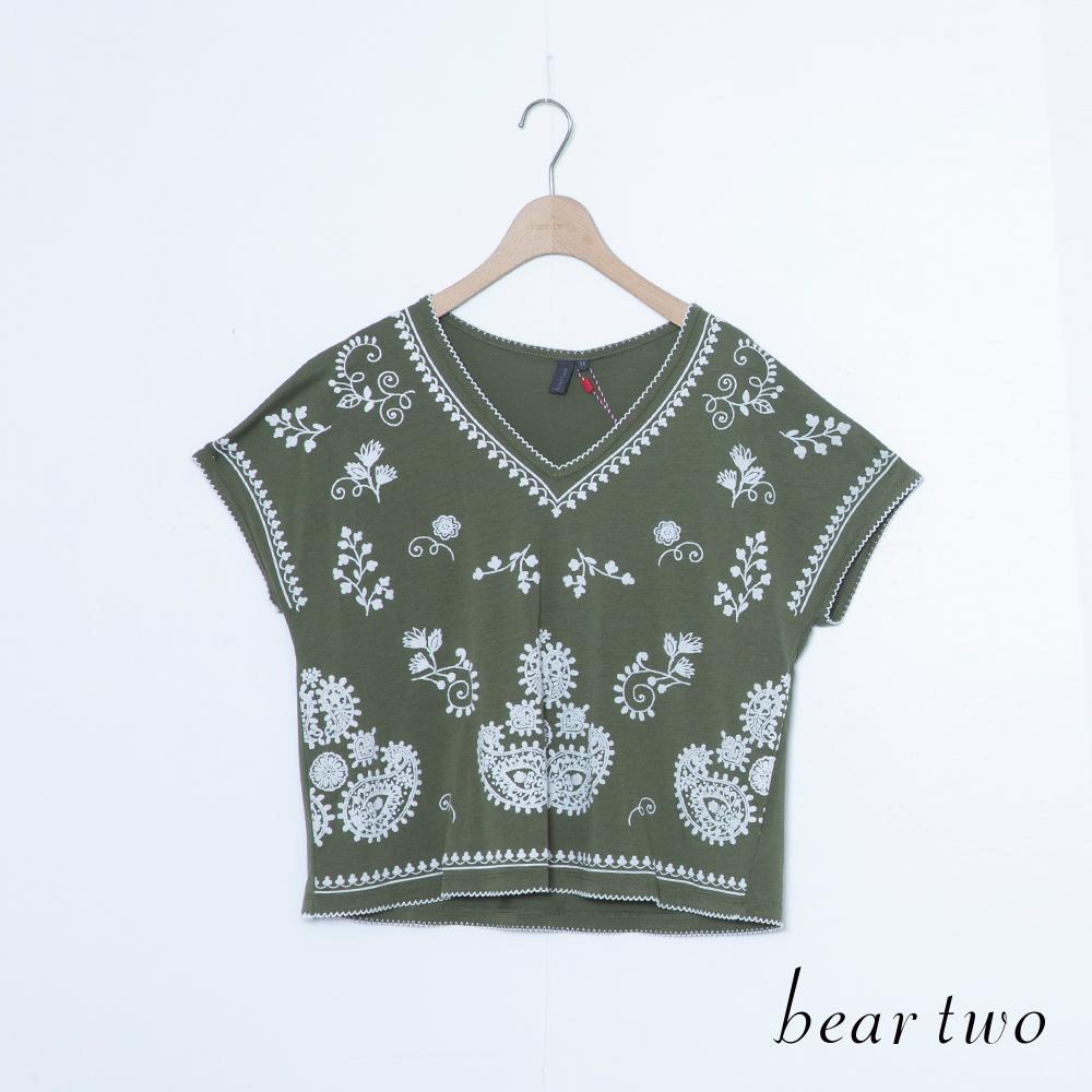 beartwo 民俗印花V領寬袖短版上衣(二色)