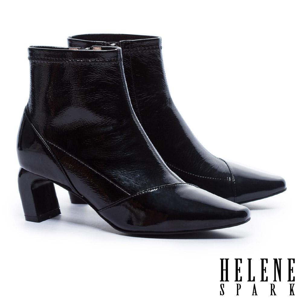 短靴 HELENE SPARK 極簡主義皺漆皮高跟短靴-黑