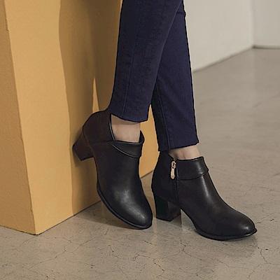 台灣製造~仿皮革反褶高跟短靴/踝靴-OB大尺碼