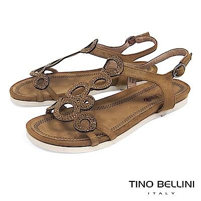 Tino Bellini 圖騰鏤空閃耀細鑽平底涼鞋 _ 棕